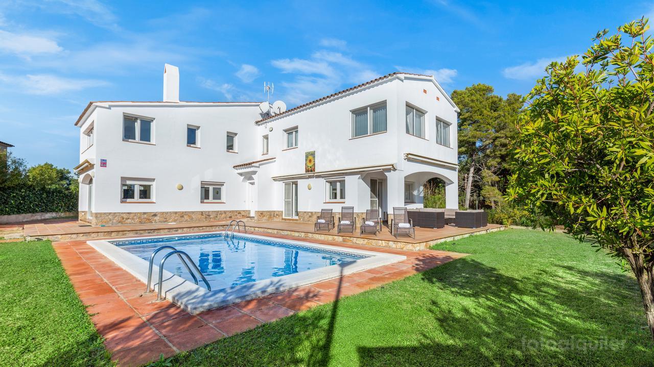 Alquiler de casa con piscina privada y vistas al mar en LLoret de Mar