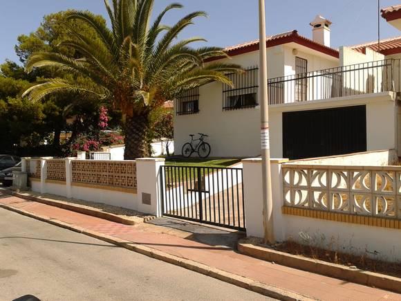Alquiler de chalet 3 dormitorios en Matalascañas, Urbanización Dehesa de las Marismillas