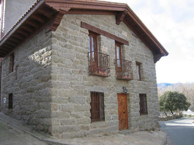 Casa rural El mirador del Alberche I en Navaluenga, Avila.