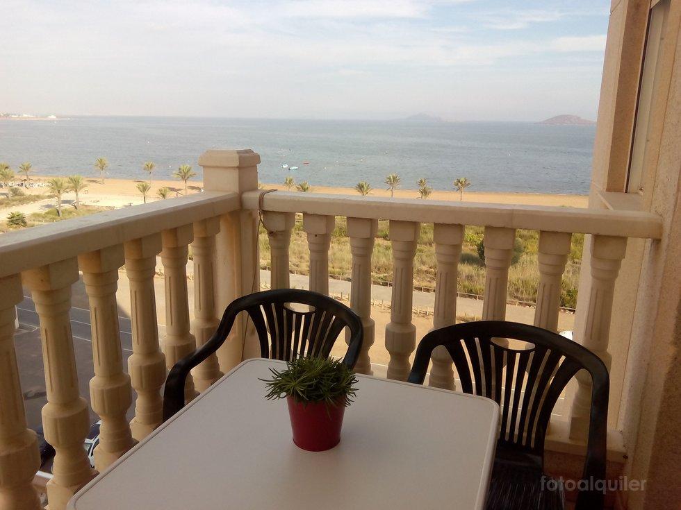 Alquiler de apartamento en primera linea Playa Paraiso, en el Mar Menor