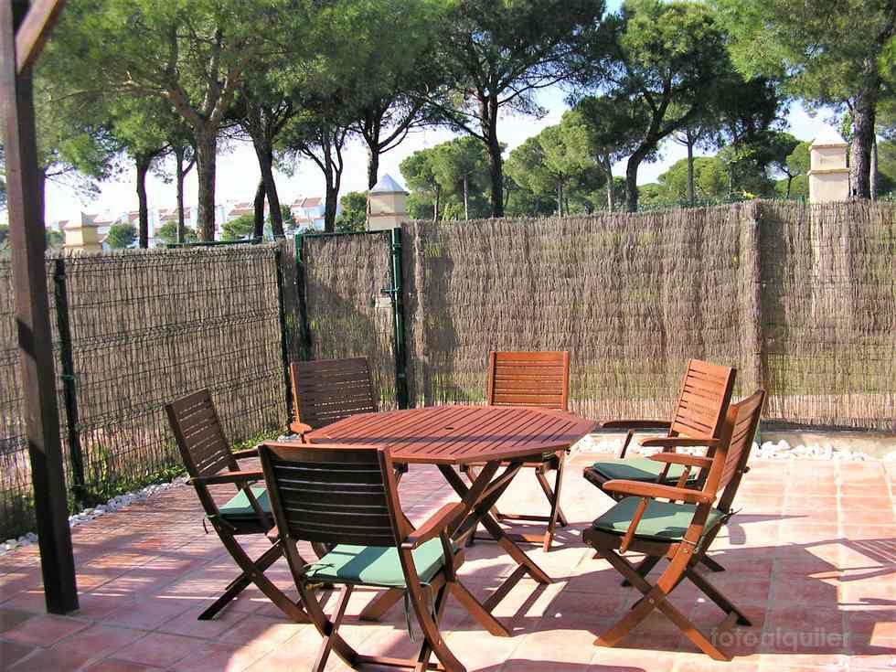 Casa adosada en Nuevo Portil, urbanización Hoyo 14 del Campo de golf, Cartaya, Huelva