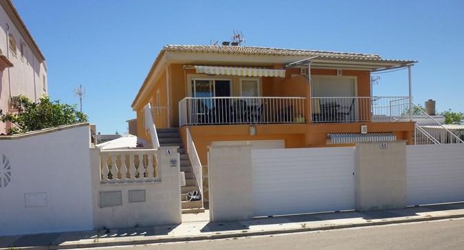 Alquiler chalet 3 dormitorios en playa Kiko, Oliva, Valencia