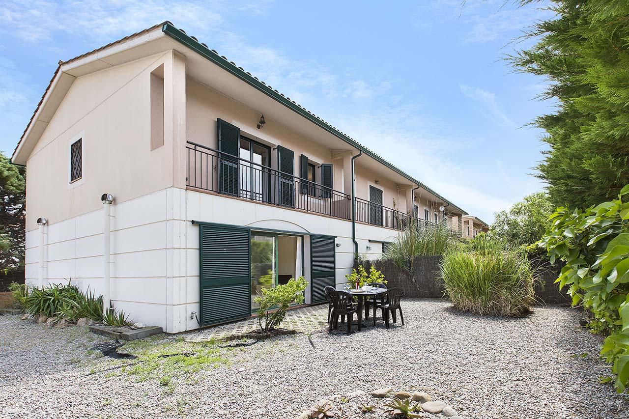 Alquiler de casa adosada con jardín en Pals, Girona