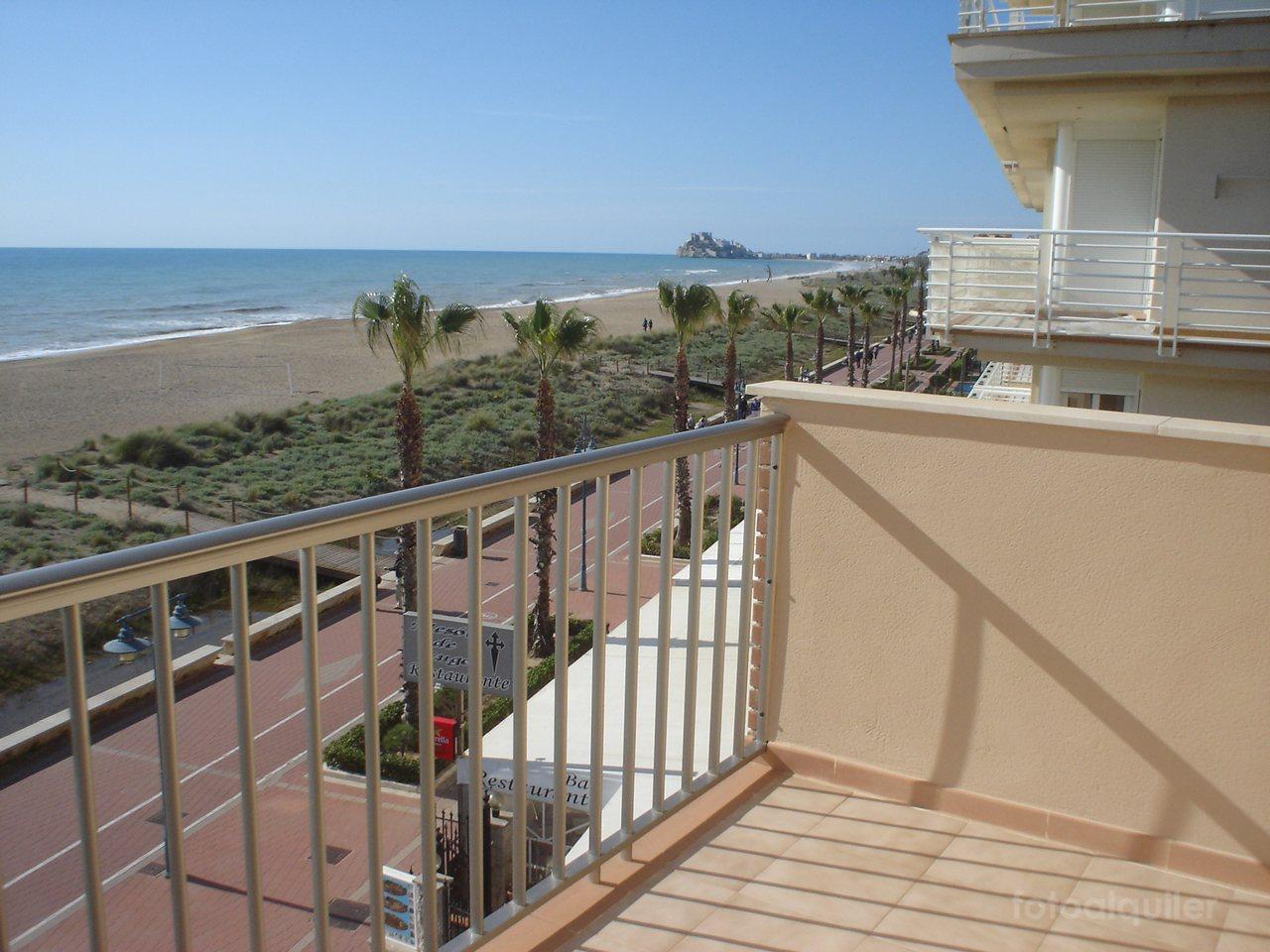 Apartamentos en Peñíscola en primera linea de playa, Avenida del Papa Luna