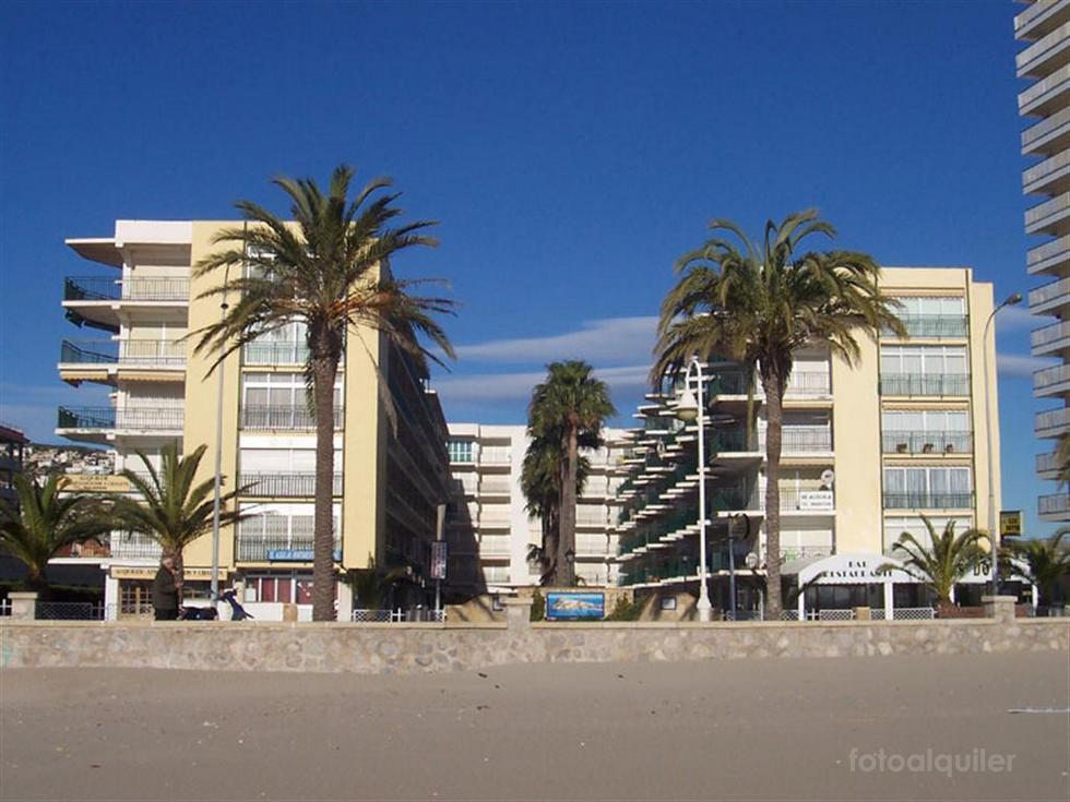 Alquiler de apartamento en primera línea en la urbanización Les Doyes en Peníscola, Castellón, ref.: peniscola-11179