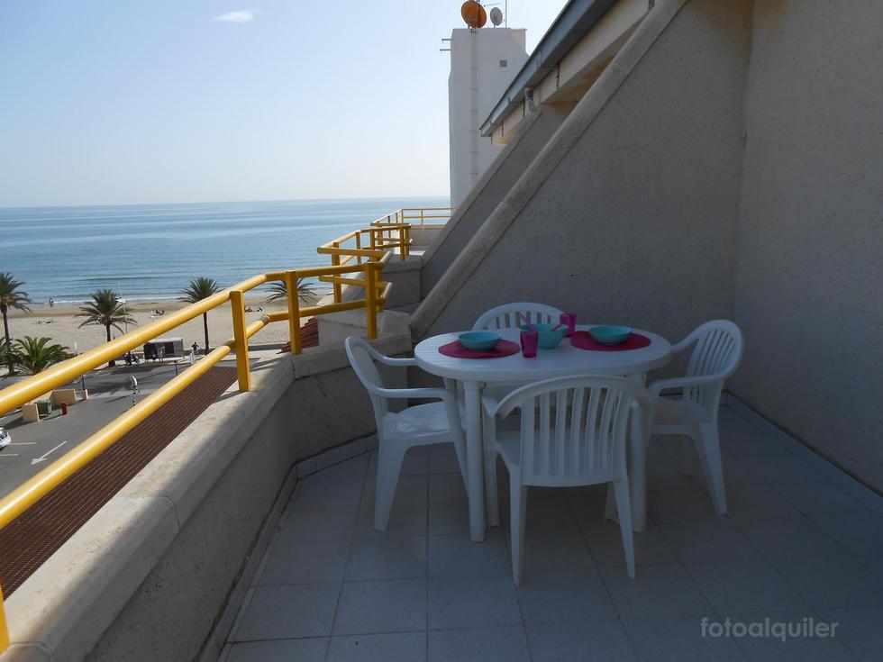 Alquiler de Ático en la playa de Peníscola, Castellón. Ático con piscina y vistas a la playa en Peñíscola, ref.: peniscola-11189