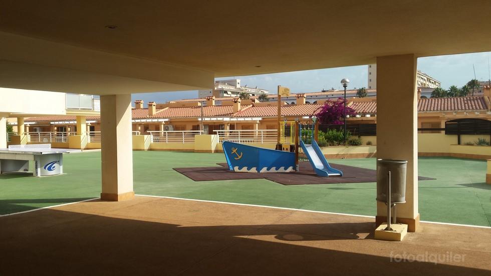 Alquiler apartamento con gran terraza en Peñíscola, Urbanización Caleta I