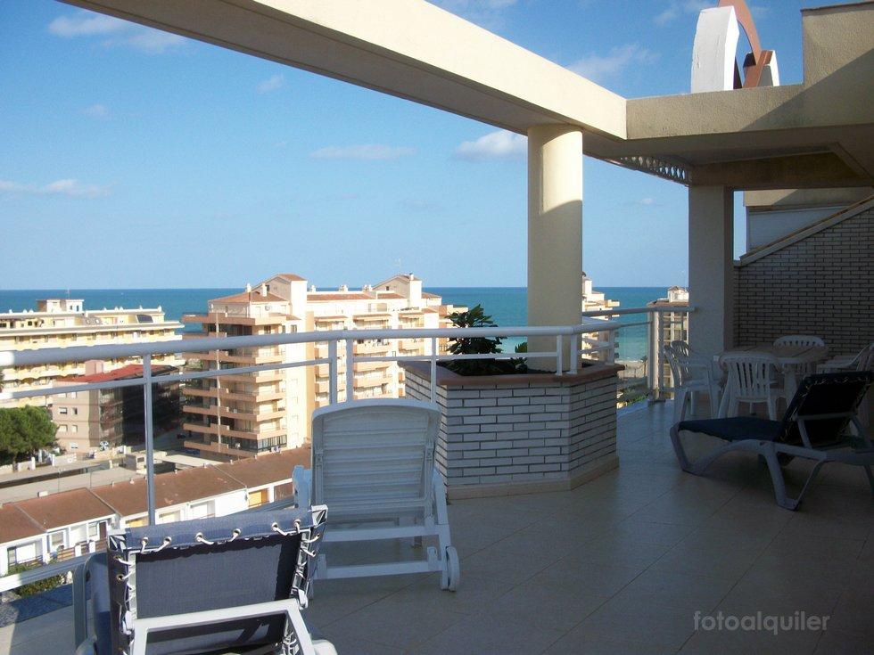 Alquiler ático con vistas al mar en Peñíscola,  urbanización La Caleta II