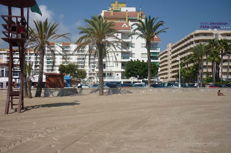 Alquiler en primera linea de playa en  Peñíscola, urbanización Peñíscola Playa
