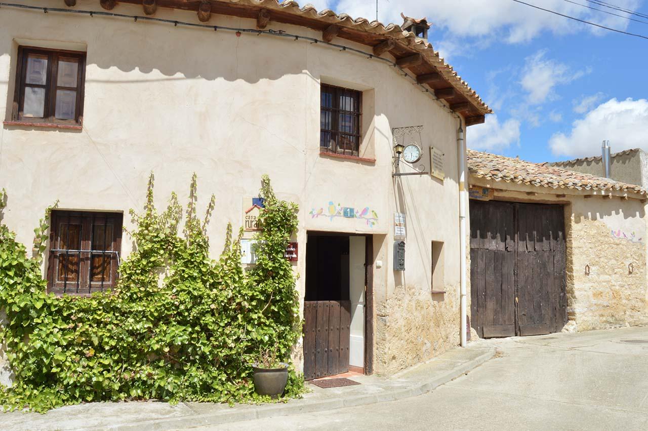 Casa Rural Pequeño Huésped, alojamiento especial para niños en Villasexmir, Valladolid