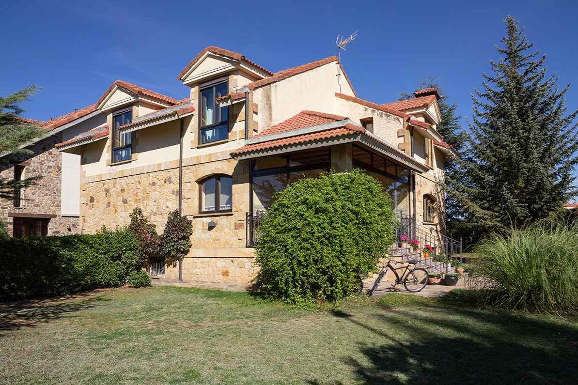 Casa Rural Portal de Numancia en Garray, Soria, junto al yacimiento de Numancia