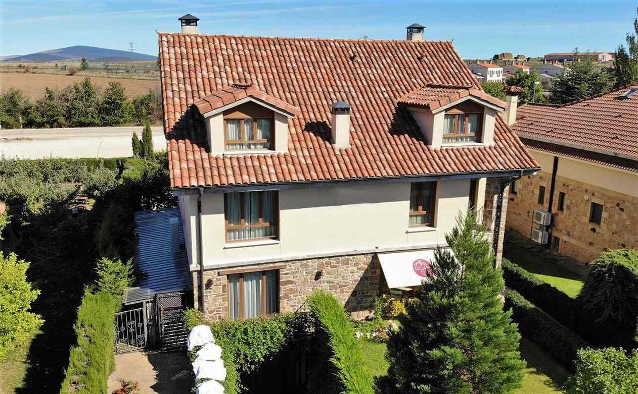 Hotel Rural Portal de Numancia II en Garray, Soria