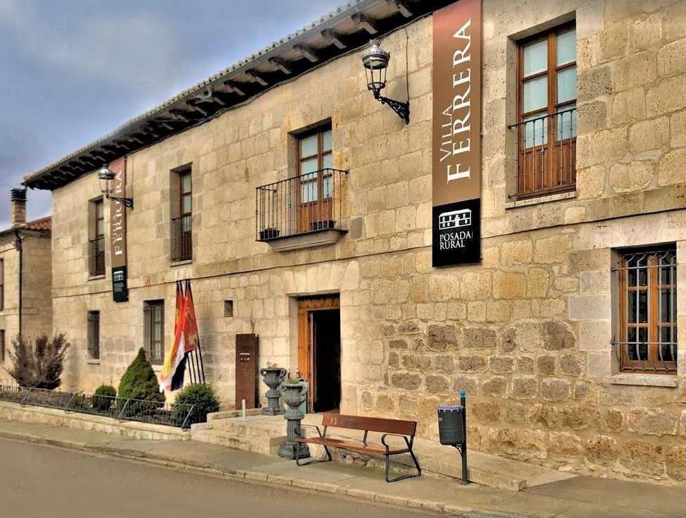Villa Ferrera, posada rural con spa en Herrera de Valdecañas, Palencia.