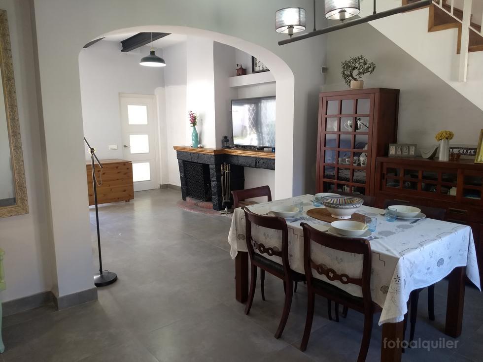 Alquiler de casa vacacional en Premià de Mar, tres dormitorios y barbacoa