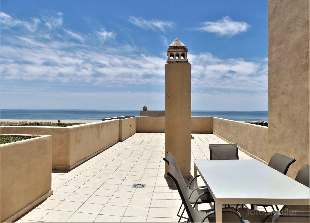 Apartamento ático con vistas al mar en Punta del Moral, Huelva