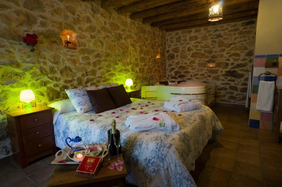 Casa Rural Hedra Relax, casa rural con jacuzzi en Castellon
