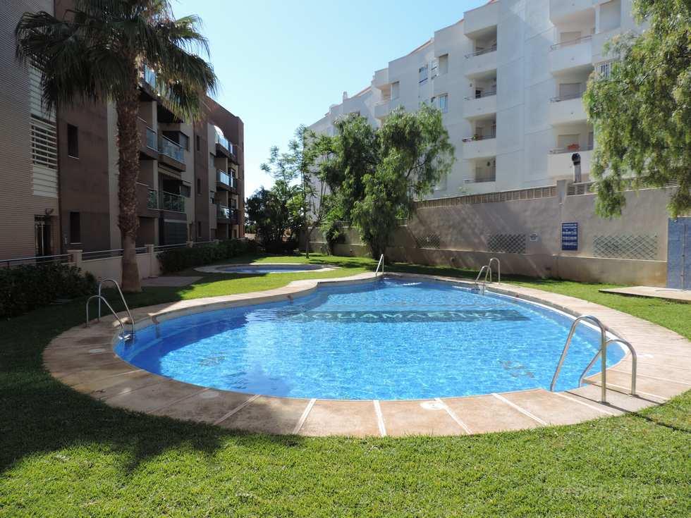 Alquiler apartamento en Roquetas de Mar junto a la playa de La Romanilla