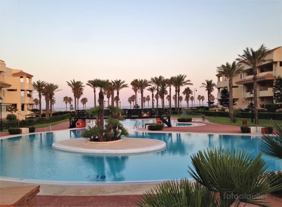 Apartamento primera línea de playa en Roquetas de Mar, Almería