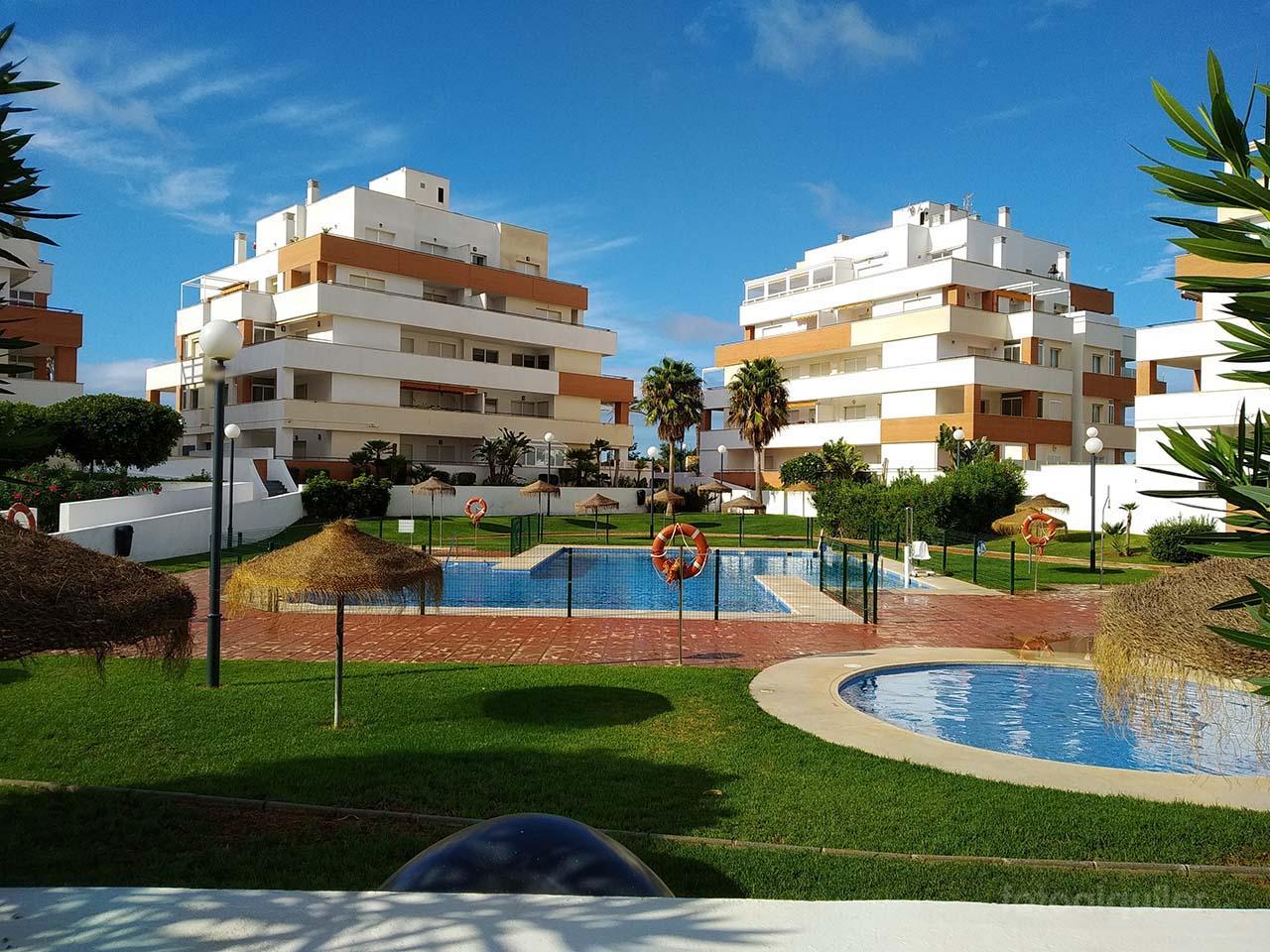 Apartamento dos dormitorios en Playa Serena, Roquetas de Mar, Almería