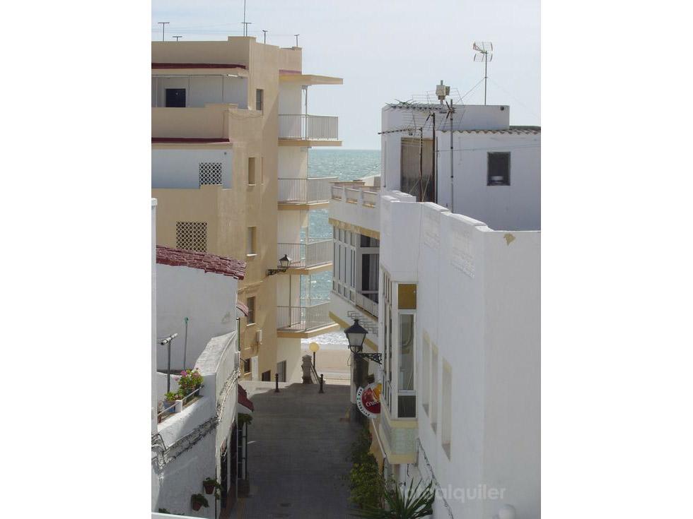 Alquiler de piso con tres dormitorios en Rota, Paseo marítimo de La Costilla