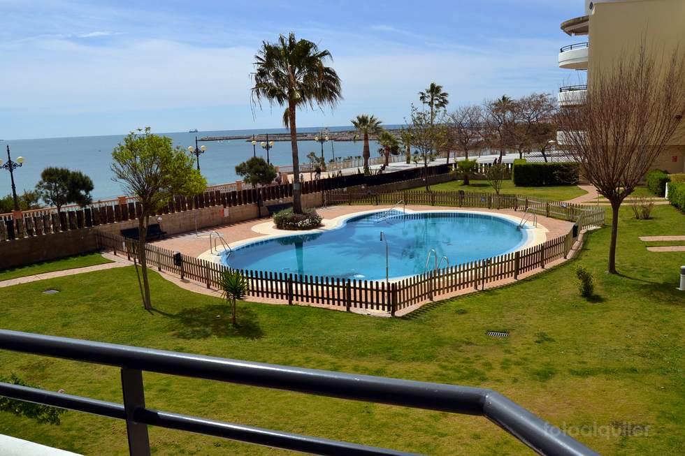 Apartamento con vistas a la playa en Rota, urbanización Picobarro