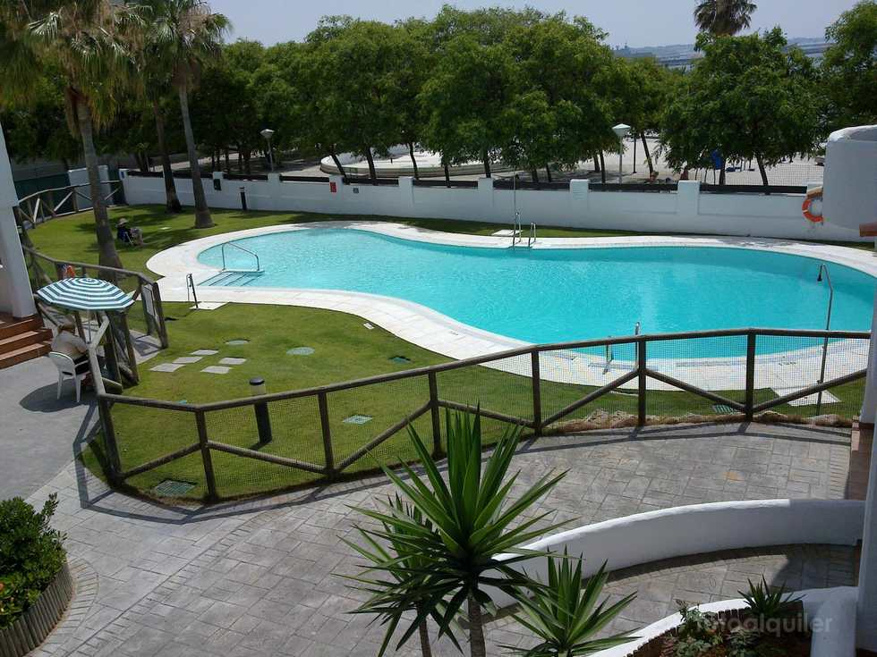 Apartamentos vacaciones en primera linea de playa en Rota