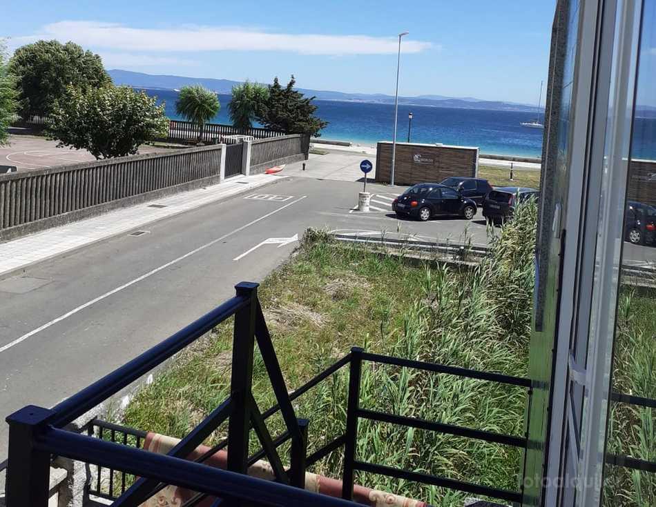 Alquiler apartamento en primera línea de playa en Santa Eugenia de Riveira, A Coruña