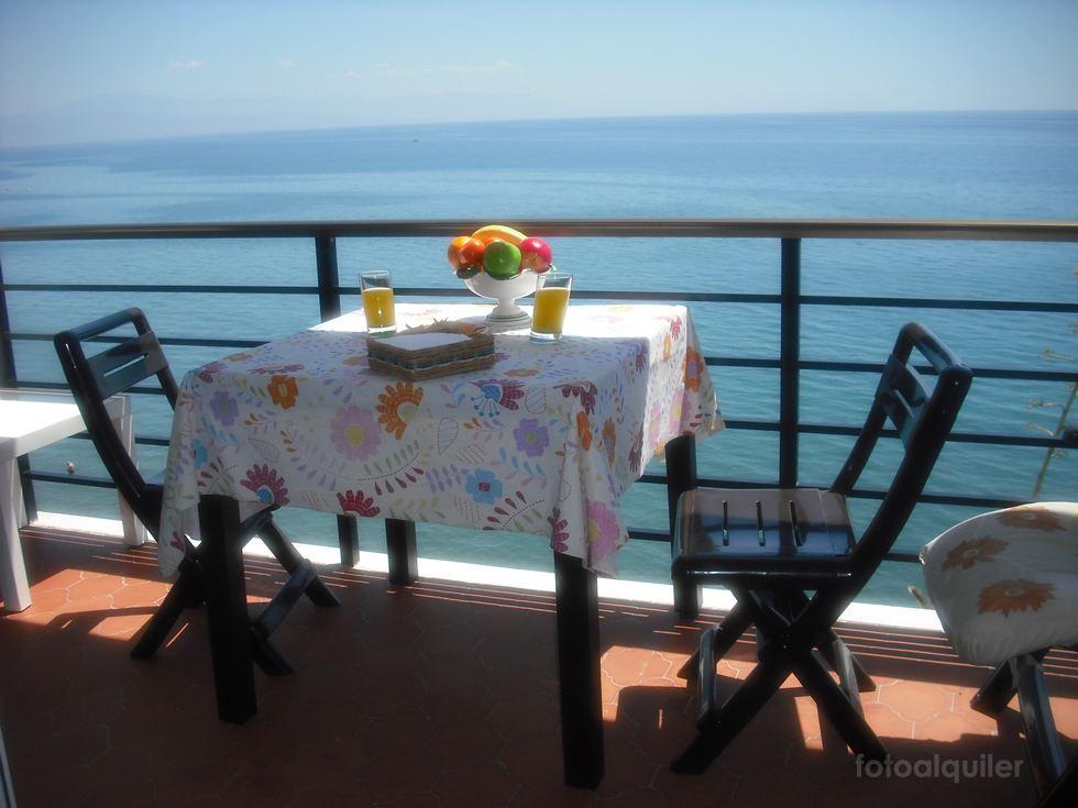 Alquiler apartamento en primera línea de playa en Torremolinos, Málaga