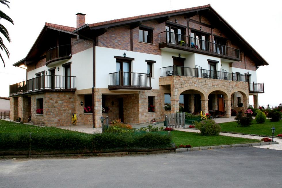 Casa Rural Usotegi, Getaria Guipúzcoa. Habitaciones y apartamentos en Pais Vasco