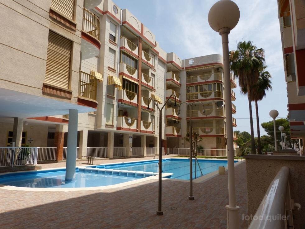 Alquiler de apartamento con piscina y garaje en Oropesa del Mar, Castellón, ref.: v84
