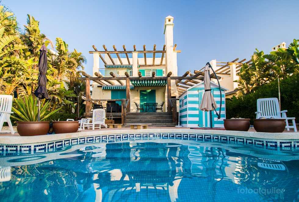Villa con piscina privada en la playa de Vera, Almería