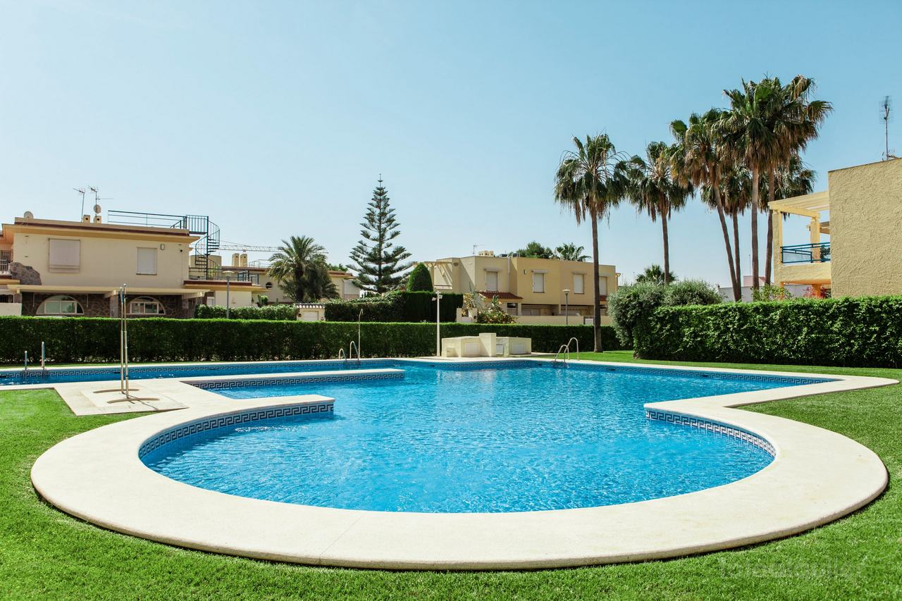 Apartamento dos dormitorios en Vera Puerto Rey, Almería