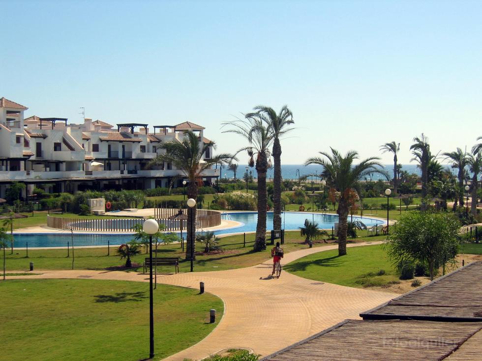 Apartamento vistas al mar en Vera, Urbanización Jardines de Nuevo Vera