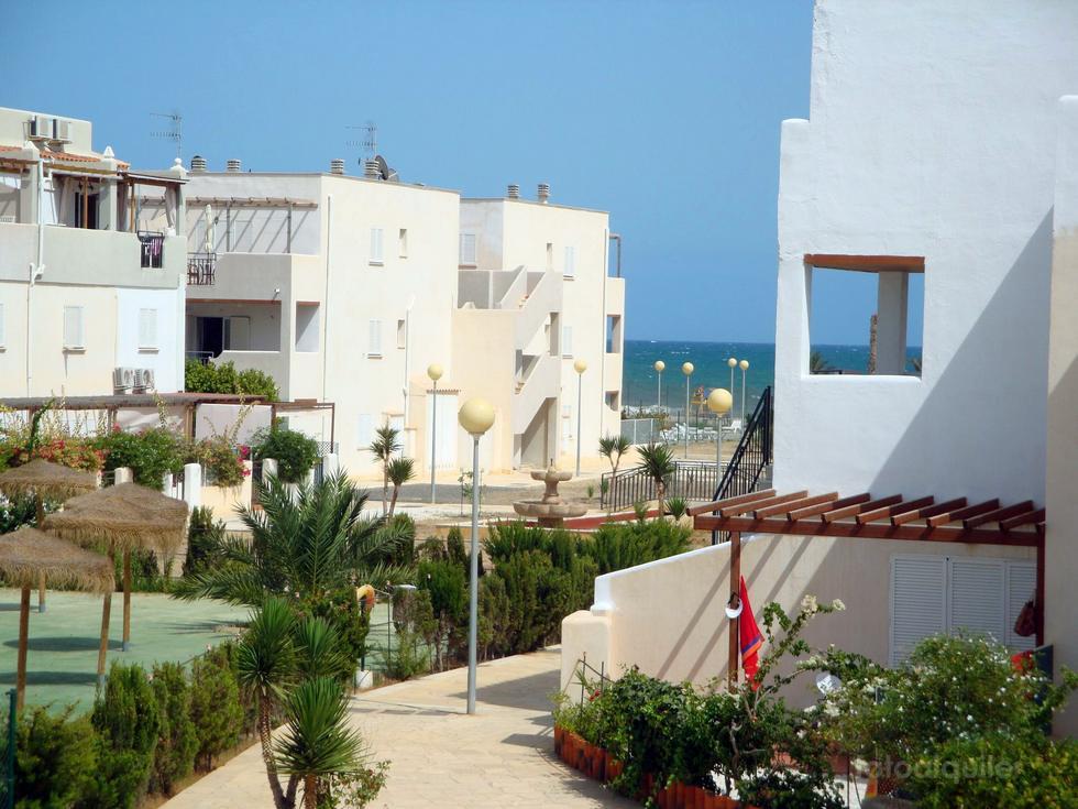 Alquiler en primera línea de playa, Urbanización Natura World, Vera, Almería, ref.: vera6185