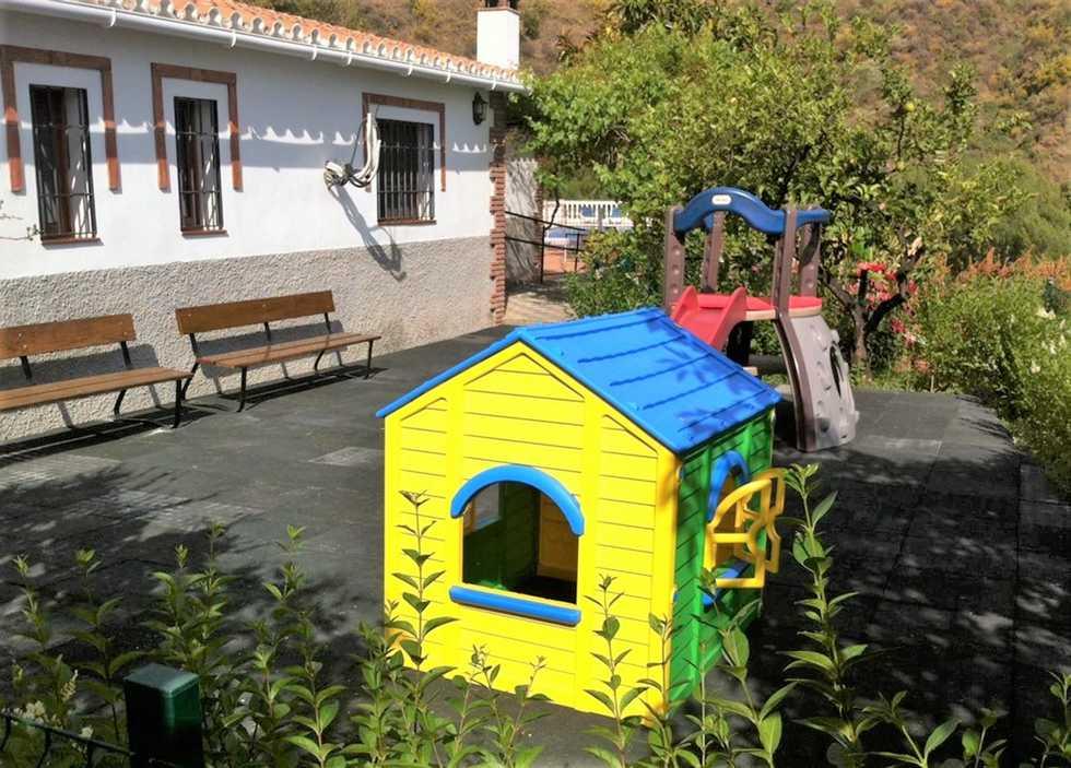 Villa Virginia, casa rural en Sayalonga, Málaga