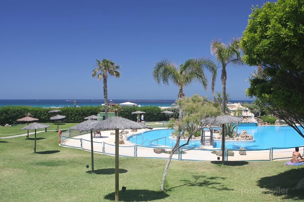 Apartamento dos dormitorios primera línea en Atlanterra Playa, Zahara